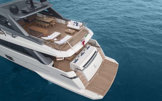 Motor Yacht REINE D AZUR Aft Decks