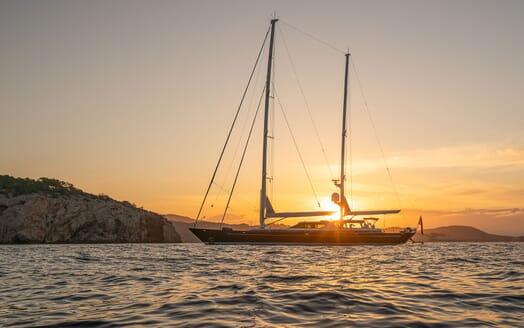 Sailing Yacht LA CATTIVA Exterior Sun Set