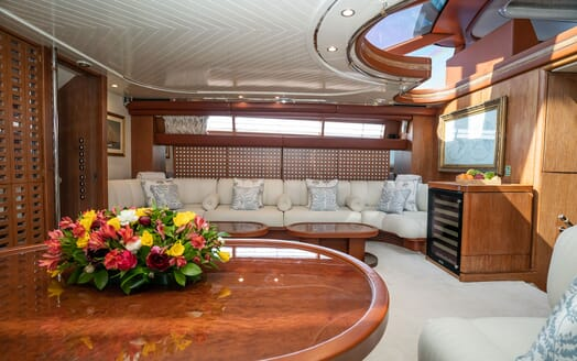 Sailing Yacht LA CATTIVA Main Salon