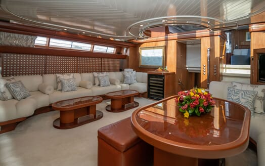 Sailing Yacht LA CATTIVA Main Salon Table