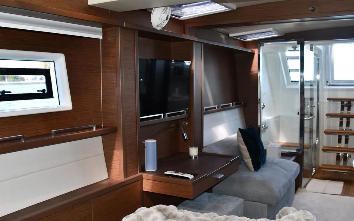 Motor Yacht LONG MONDAY Interior 2
