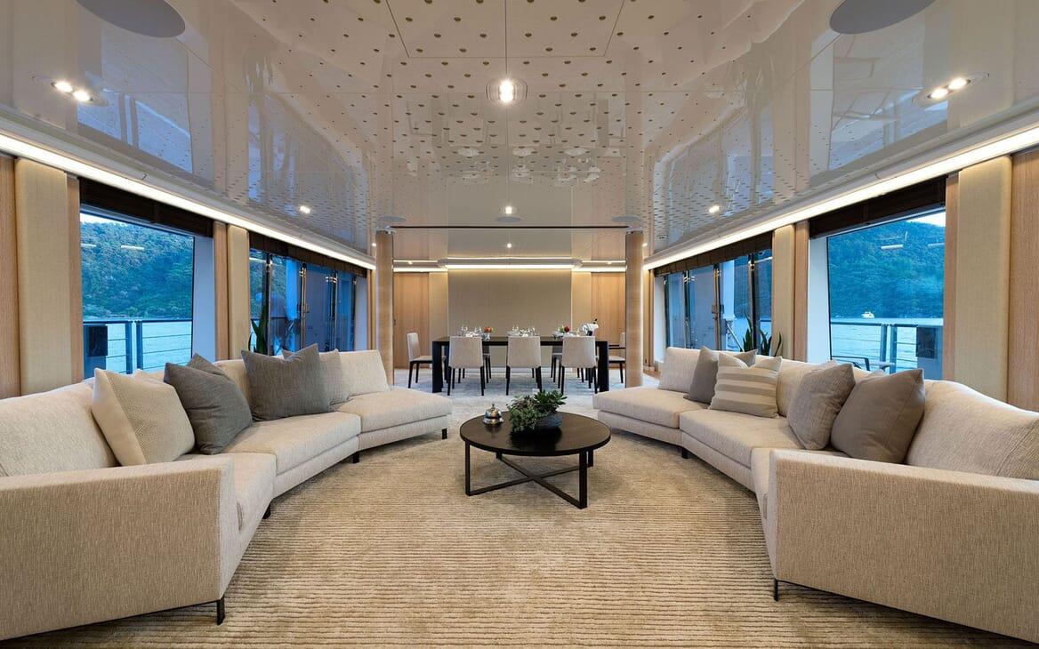 Motor Yacht AQUARIUS Main Salon