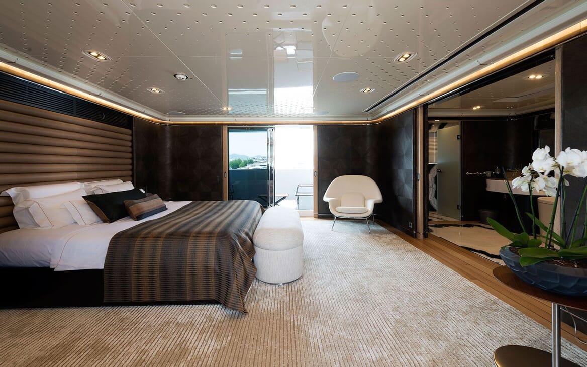 Motor Yacht AQUARIUS Master Stateroom