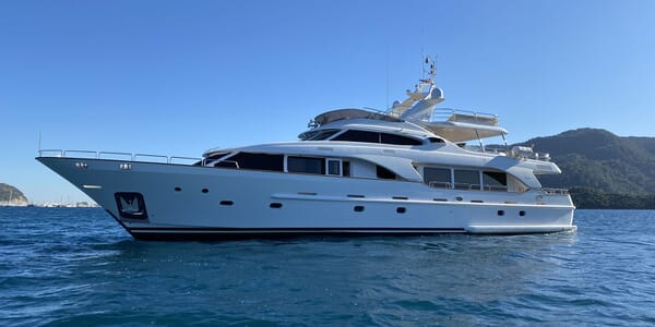 Motor Yacht TURK'S Profile