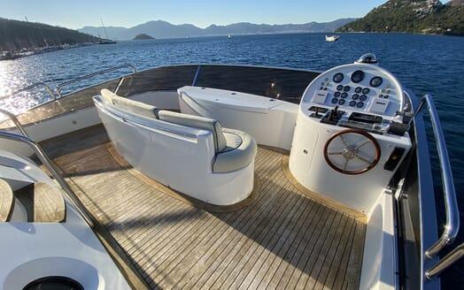 Motor Yacht TURK'S Sundeck Wheel