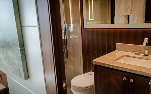 Motor Yacht ENTREPRENEUR 100 Second Double Bathroom