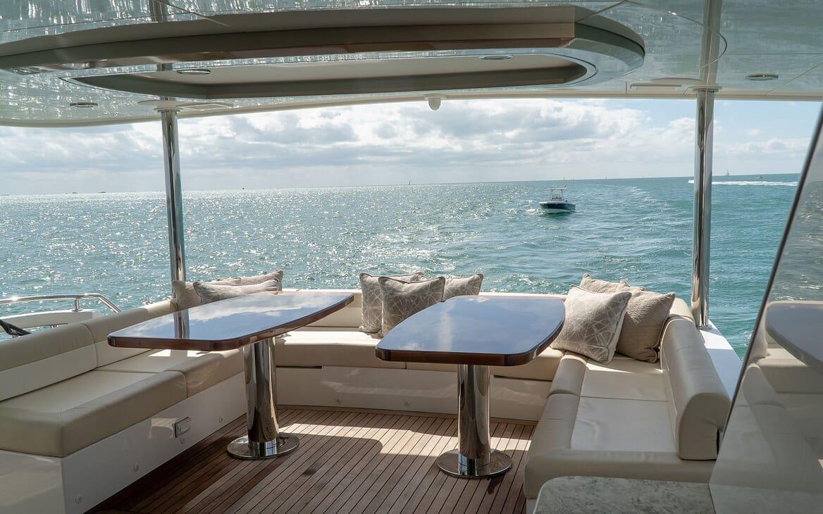 Motor Yacht ENTREPRENEUR 100 Main Aft Deck Seating