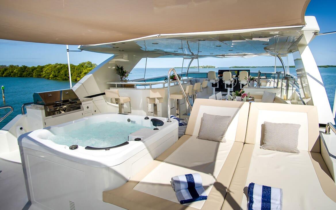 Motor Yacht ENTREPRENEUR 100 Sun Deck Jacuzzi and Sun Pads