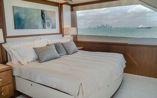 Motor Yacht ENTREPRENEUR 100 Master Stateroom