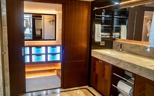 Motor Yacht ENTREPRENEUR 100 Master Bathroom Shower