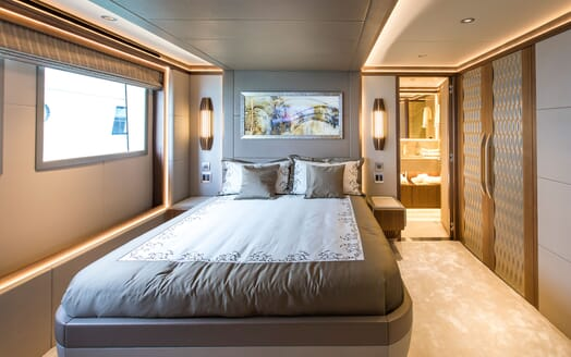Motor Yacht MAJESTY 140 Guest Double Stateroom