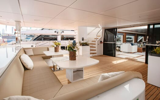 Motor Yacht MAJESTY 140 Aft Deck Seating