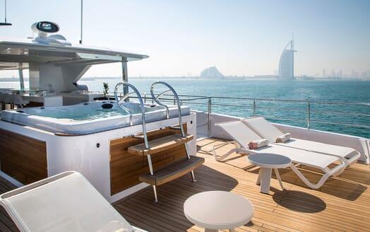 Motor Yacht MAJESTY 140 Sun Deck Jacuzzi