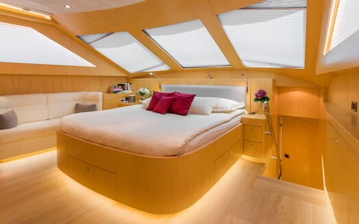Motor Yacht CONTE ALBERTI Full Beam Double Stateroom