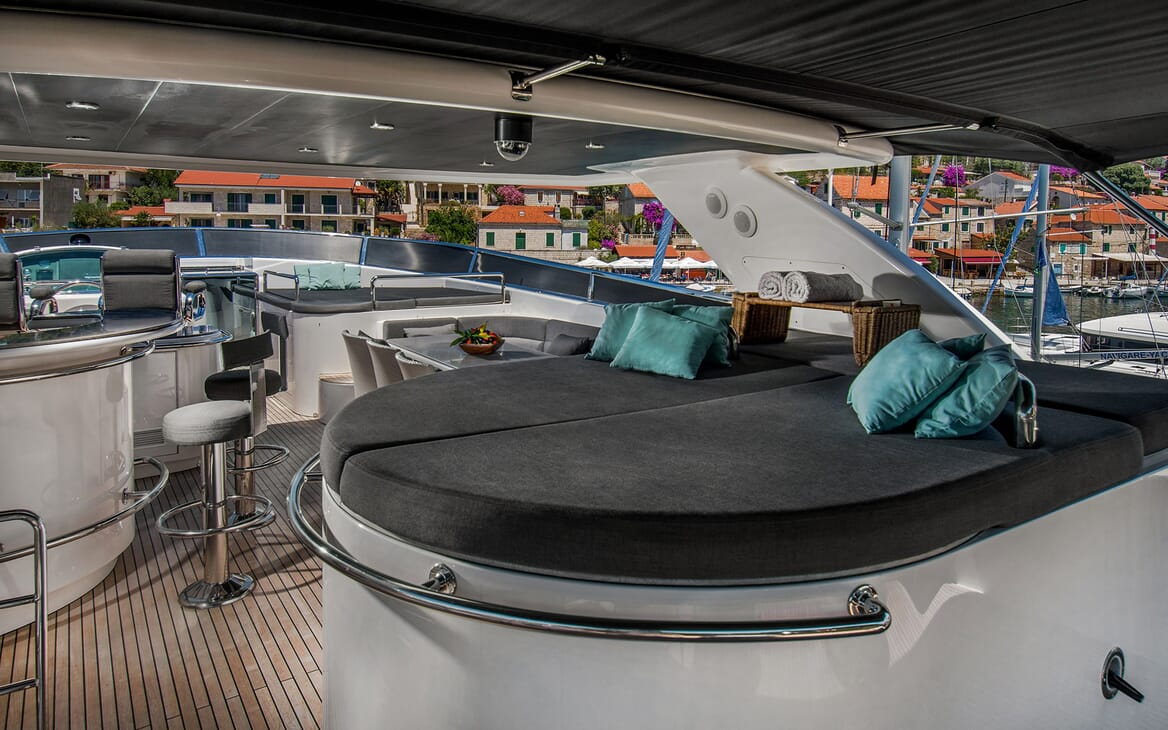 Motor Yacht CONTE ALBERTI Sun Deck Sunpad