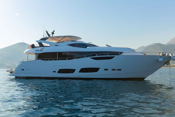 Motor Yacht MR. K IRISTON 95 Profile
