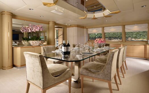 Motor Yacht Azzurra dining area