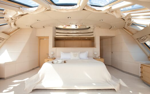 Motor Yacht Azzurra master cabin