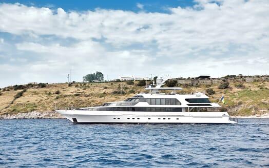 Motor Yacht Azzurra