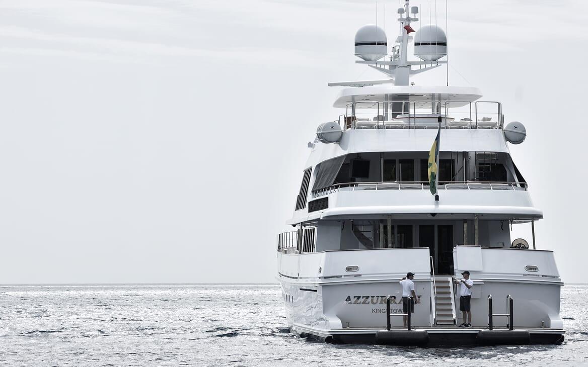 Motor Yacht Azzurra aft