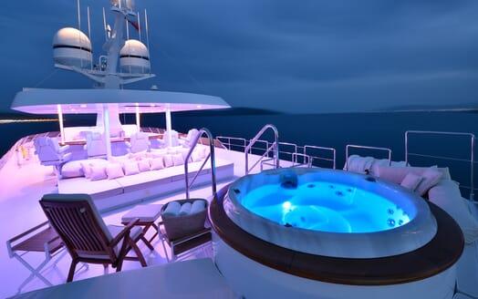 Motor Yacht Azzurra sky deck