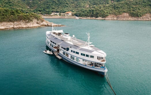 Motor Yacht DOT Exterior with Tender