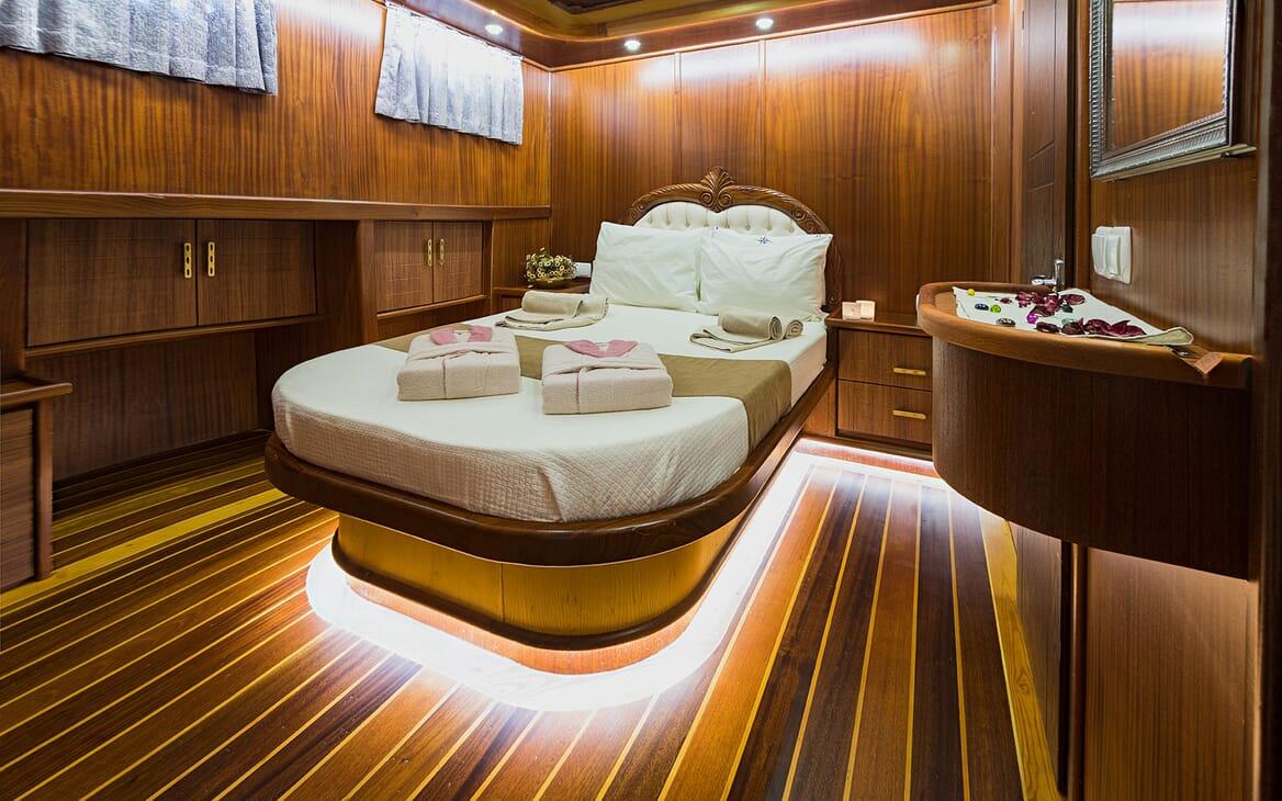 Sailing Yacht S NUR TAYLAN Master Stateroom
