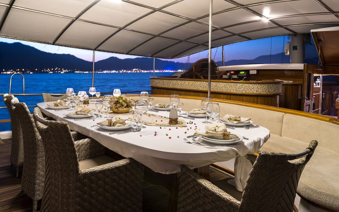 Sailing Yacht S NUR TAYLAN Dinner Set Up