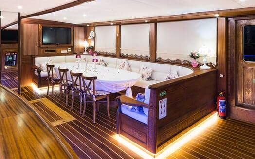 Sailing Yacht S NUR TAYLAN Main Deck Dining Table