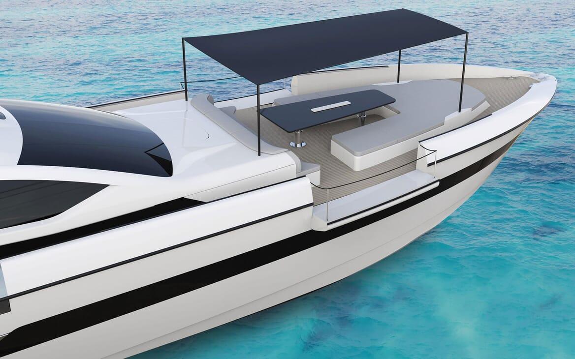 Motor Yacht OTAM CUSTOM RANGE 115 Bow Sun Shade