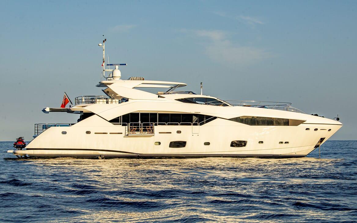 Motor Yacht RENEWAL 2 Hero Profile
