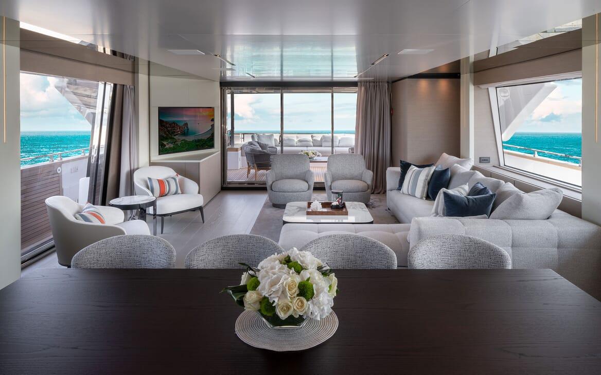 Motor Yacht ADELIA Main Salon