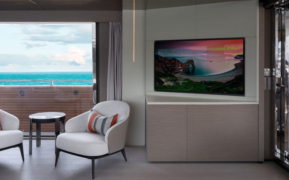 Motor Yacht ADELIA Main Salon TV