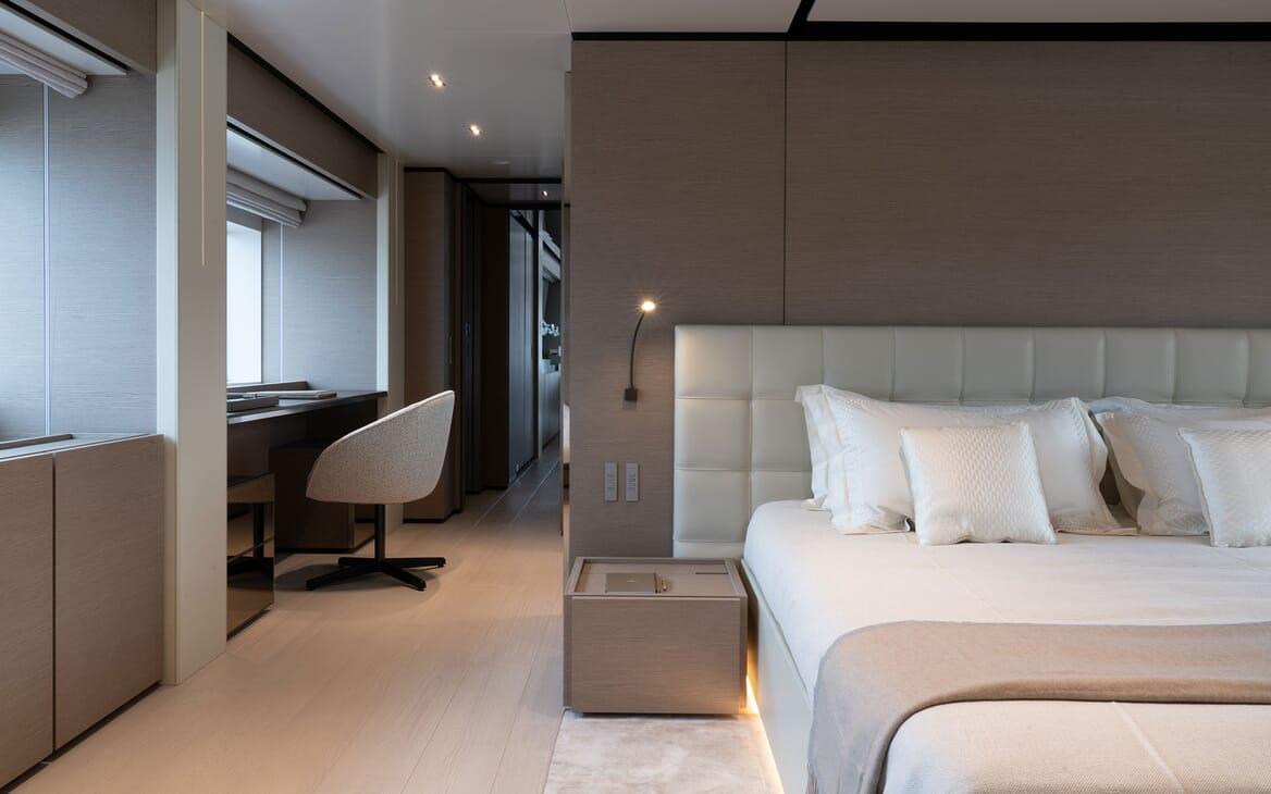 Motor Yacht ADELIA Master Stateroom