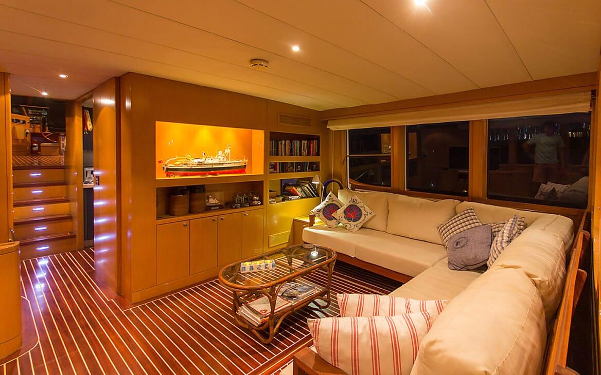 Motor Yacht TROY EXPLORER Main Salon
