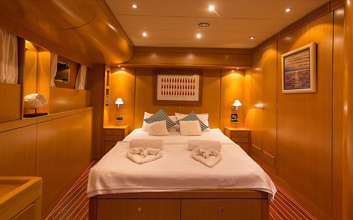 Motor Yacht TROY EXPLORER Master Stateroom