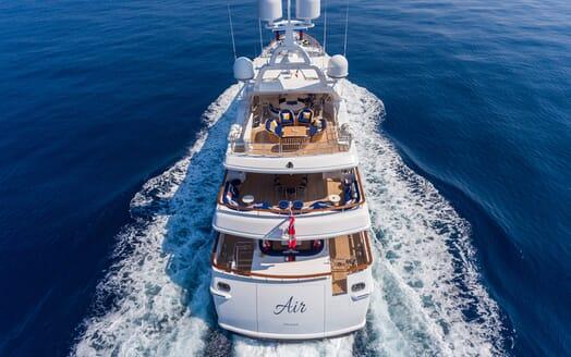 Motor Yacht Air cruising