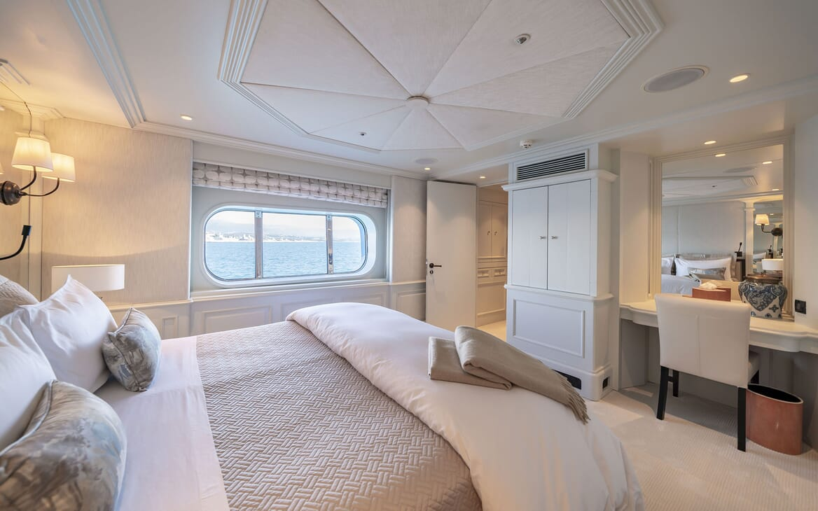 Motor Yacht MOSAIQUE Double Guest Stateroom