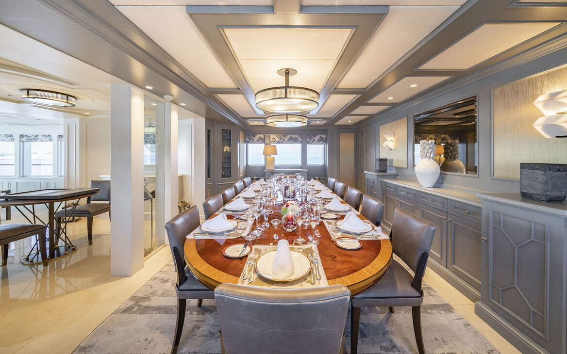 Motor Yacht MOSAIQUE Main Deck Dining Table