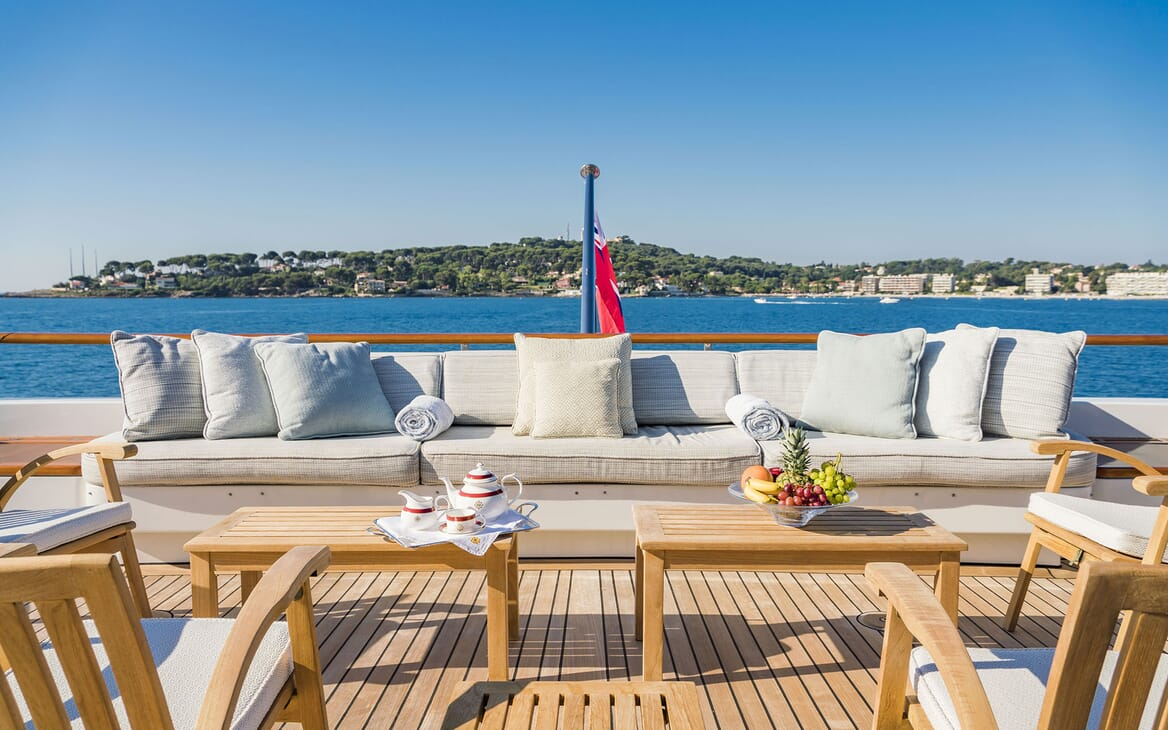 Motor Yacht MOSAIQUE Aft Deck Seating