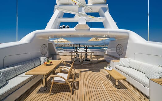 Motor Yacht Mosaique foredeck