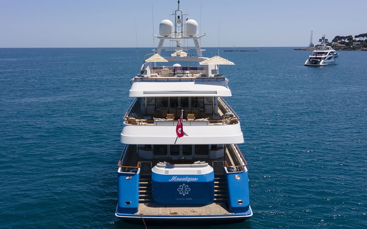Motor Yacht MOSAIQUE Exterior Aft View