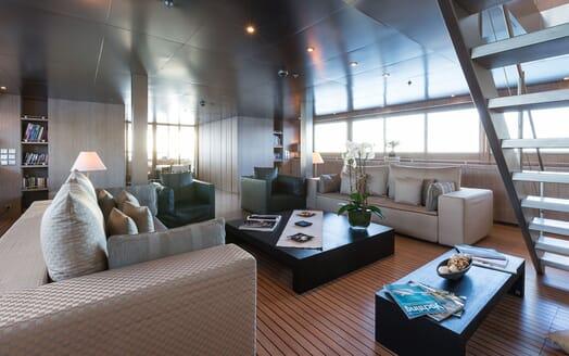 Motor Yacht MARIU Main Saloon