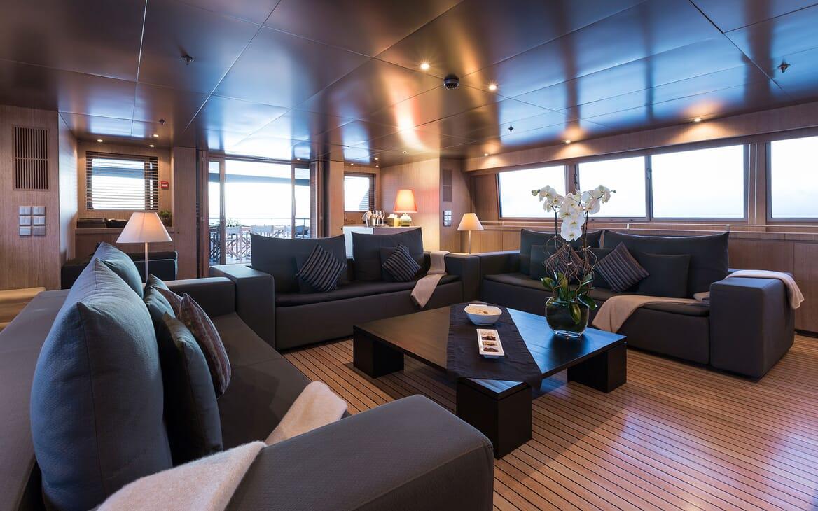 Motor Yacht MARIU Main Deck Saloon