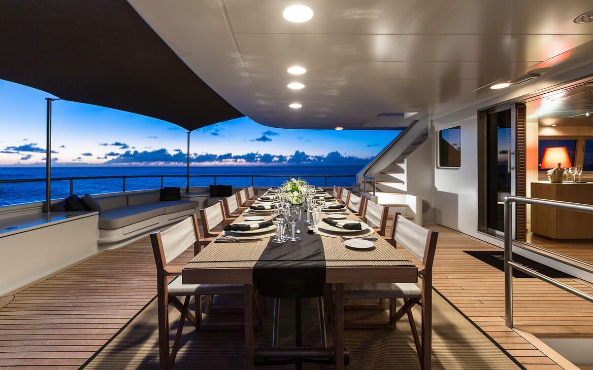 Motor Yacht MARIU Main Aft Deck Dining Table