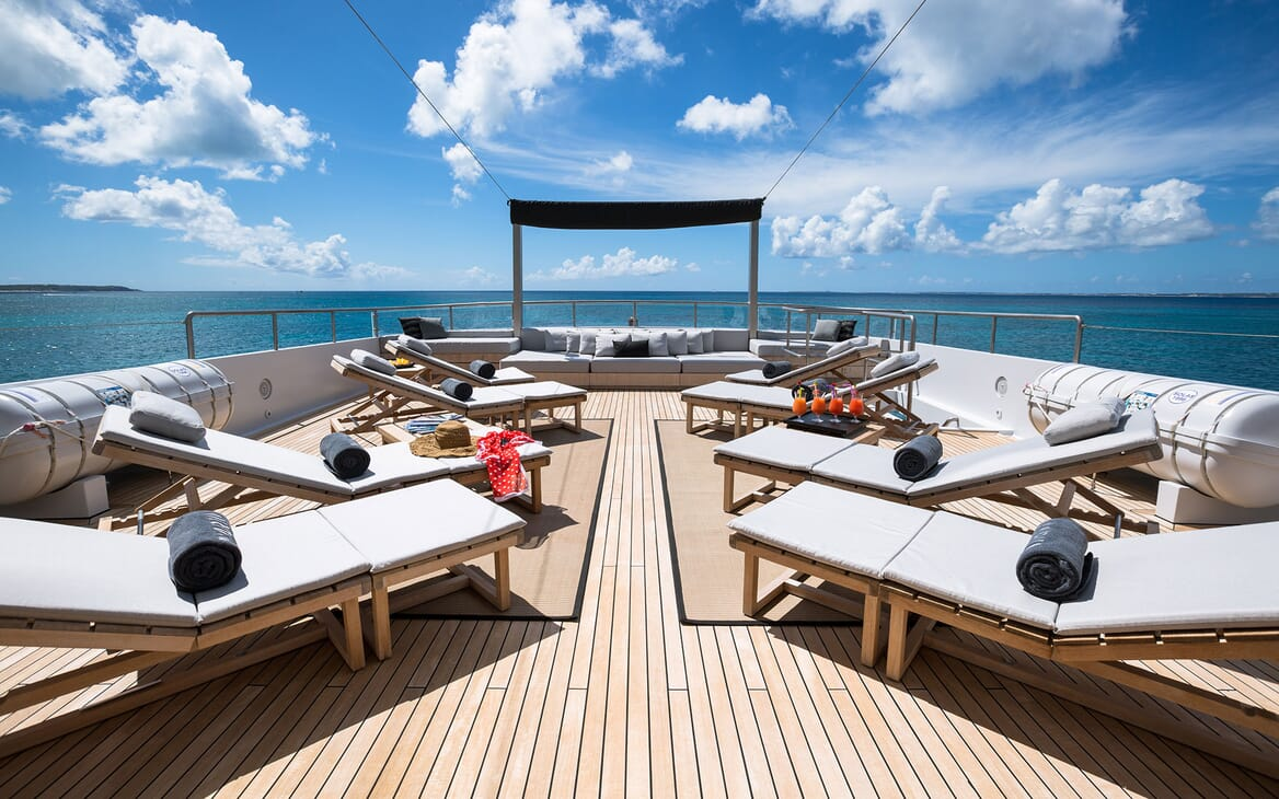 Motor Yacht MARIU Sun Deck Loungers
