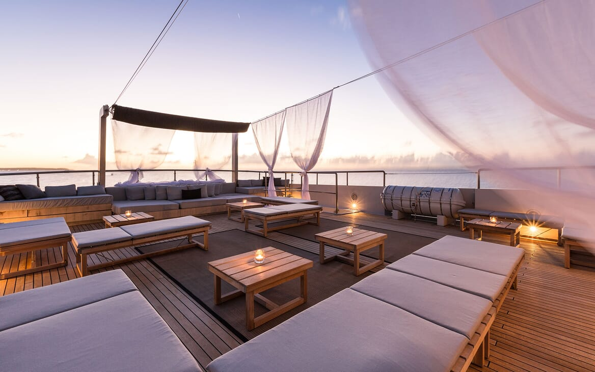 Motor Yacht MARIU Sun Deck Evening