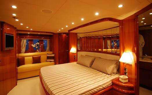 Motor Yacht BEIJA FLORE Master Stateroom