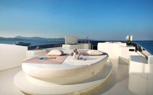 Motor Yacht BEIJA FLORE Sun Deck Sun Pad