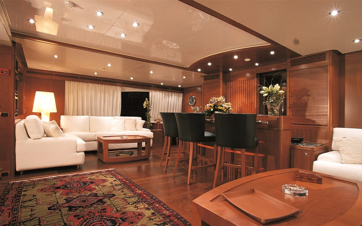 Motor Yacht More living area